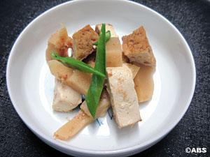 [#17]たけのこ土佐煮と厚揚げのレンジ煮、たけのこ土佐煮とサラダチキンの美味丼