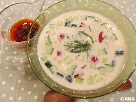 夏野菜のひんやり豆乳スープ
