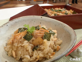 サケとホタテの炊き込みご飯