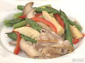 アスパラガスと白神アワビ茸の中華炒め