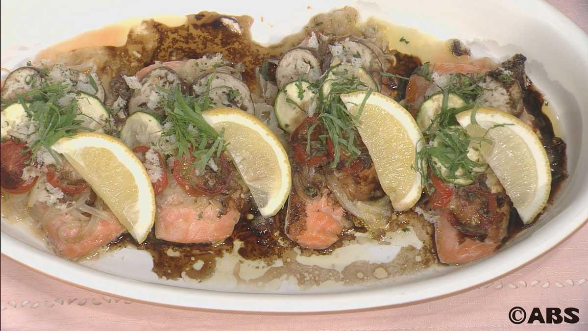 しょっつるオイルのサーモンと野菜の重ね焼き